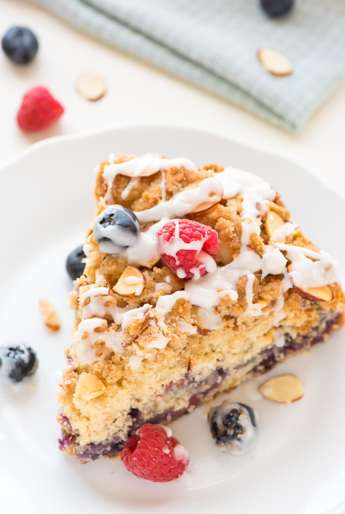 Blueberry-Crumb-Cake-recipe-with-Cinnamon-Streusel-Topping