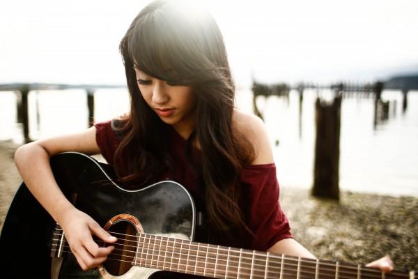 Pop artist Jessica Domingo Talks 'Just Vibe' and Budding Music Career